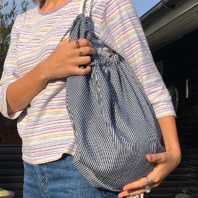 Stribet taske