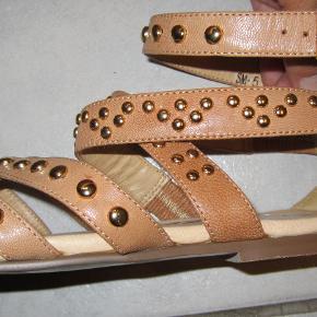 Senze sandaler