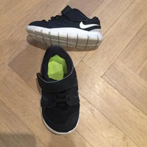 Nike str 22, afh. 6700
