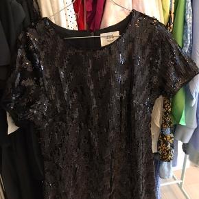 Paillet kjole fra Denim Hunter. Aldrig brugt  Tags: Zara, Only, Pieces, Selected Femme, Second Female, h&m