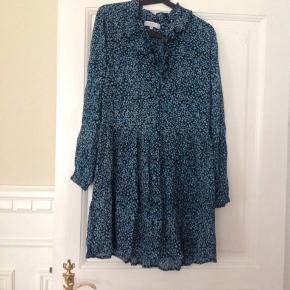 Super fin Boii kjole sælges, vil sige, den også passer en str S, byd