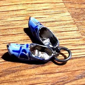 Små hollænder sko i porcelæn og sølv