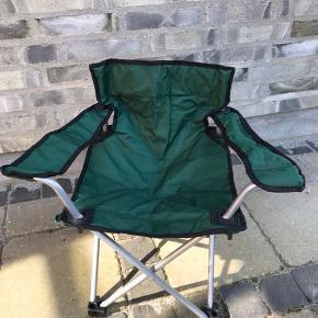 Fin børne campingstol, vi fik den dog aldrig brugt. Kan tages med til 6700