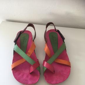 Yokono sandaler