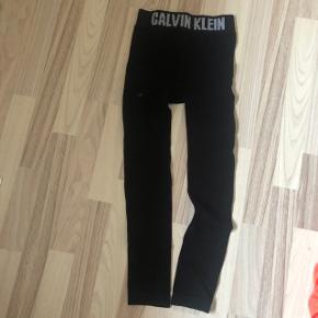 Leggings fra Calvin Klein  Købt på ASOS Str M 100 kr inkl fragt