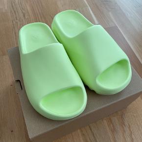 Yeezy andre sko & støvler