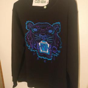 Helt ny Kenzo sweatshirt med prismærke. Købt i forkert størrelse, har kvittering fra END.com