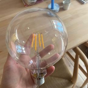 LED pære fra ikea. Aldrig brugt. Bred fatning.