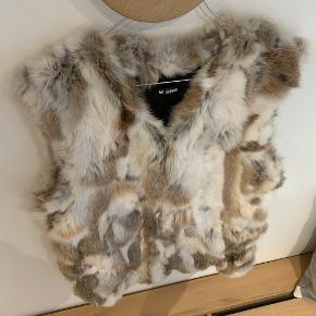 Minimum vest