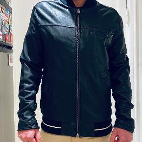 RVCA skind- & læderjakke