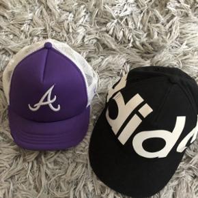 New era cap i hvid og lila Brugt en gang  50kr/stk  Adidas cup SOLGT ✔️ Aldrig brugt