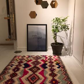 Unika Bedouin tæppe farve fra Marokko. Håndlavet og måler 210x100 cm Salgspris 4800kr