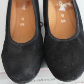 Fine sorte ballerina sko fra gabor sælges til 250 kr.