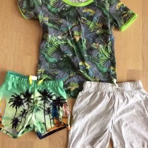 Badebukser helt nye. Trøje og shorts brugt men gode til strandtkur