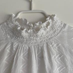 Hvid Neo Noir bluse