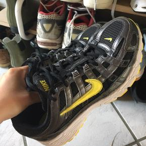 Sælger disse super fede Nike P-6000 sneakers i str 39. Sælges da jeg ikke får dem brugt (Trænger til en lille vask, under sålen, ellers ingen slid)