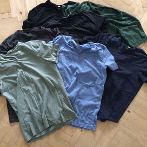 Basis t-shirts i str m.  Betal for to og få den tredje gratis.