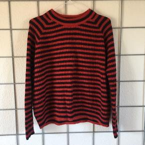 Fin stribet sweater fra Envii 🌸  Str. Xs, men passe let en str. S☺️