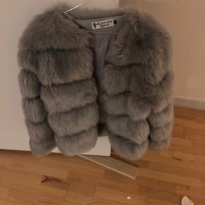 Lækker pels Sælges for 250 kr