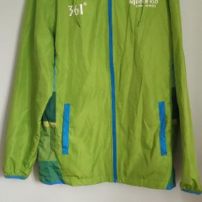 361 degrees raincoat. Got it whilst working in 2016 Rio Olympics. Very good quality rain coat.