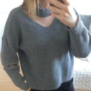 Aldrig brugt!  BYD BYD BYD BYD BYD BYD BYD sælger denne grå trøje, da jeg aldrig har brugt den, og den bare ligger og samler støv. Super lækker trøje, og den klør ikke. Jeg har ikke skrevet nogen pris, så byd gerne🌸