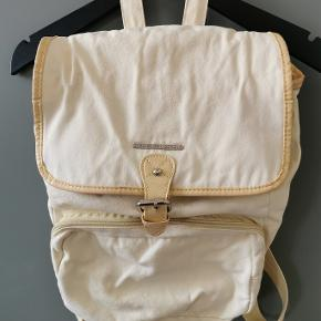 French Connection backpack in cotton. Washable. Used, with minor signs of wear.