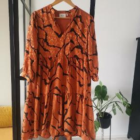 Fed kjole fra Gestuz 🧡🥂 Lose-fit Brugt 1 gang Str 34