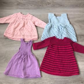 4 fine hjemmestrikket kjoler. Ca str. 1-2 år. Næsten ikke brugt.