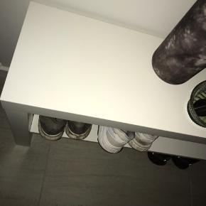 Skohylde i hvid🤍 kan afhentes i Odense, kom gerne med bud