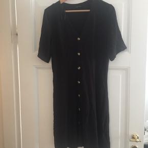 Løs sort Monki kjole aldrig brugt (fejlkøb).