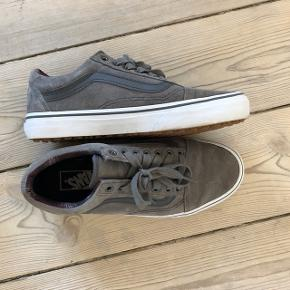 VANS grey old school style, in excellent condition almost never worn. Size US 8.5 which depending on conversion can be size 38.5/39. Check out my other items for a bundle discount!
