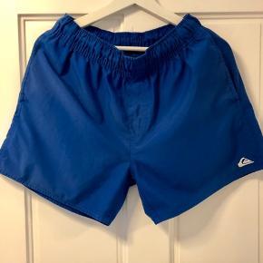 Sælger disse blå Quiksilver badeshorts i str. medium, da jeg ikke bruger dem mere :-)