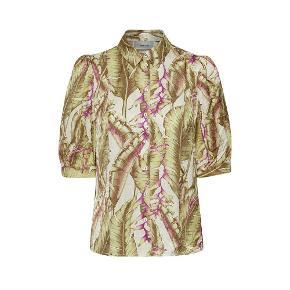 Gestuz skjorte fra sommeren 2020 kollektionen. 100% viskose Str. 36/S Brugt 1 gang. Nypris: 899,- Bud fra: 450,-
