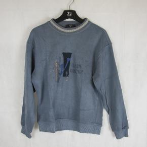 Valentino sweater fitter 175 ish Rimelig stand  550kr eller byd