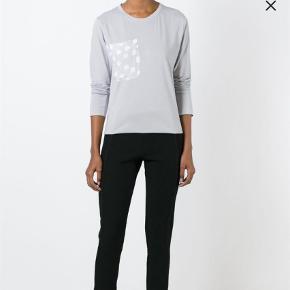 Varetype: Bluse Størrelse: XS/S Farve: Grå