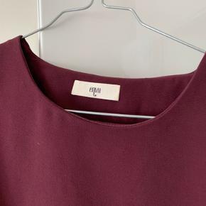 Fin bluse fra Envii som er næsten som ny.