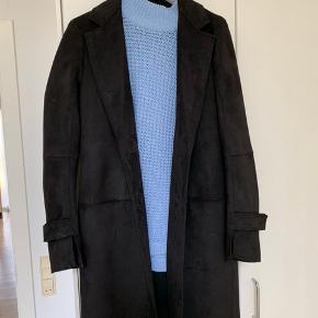 Ruskindsfrakke fra Zara str S  Brugt 2 gange :) derfor som ny