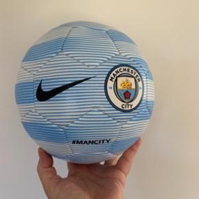 Manchester City fodbold str. 3. Aldrig brugt.