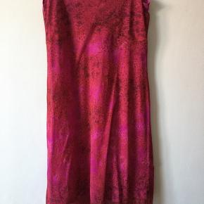 Lækker mesh kjole fra vila
