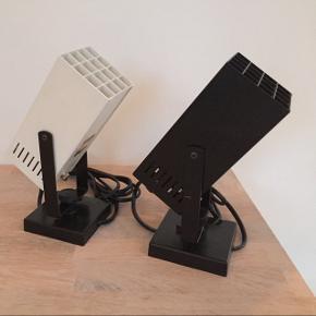 To fine væglamper fra Davids Lampe, fin stand, pærer medfølger, pris pr stk (sort er solgt)