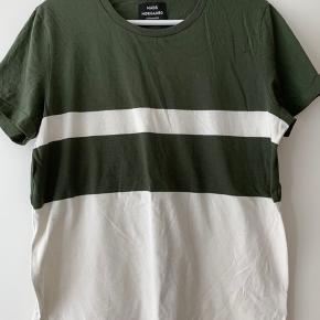 Fed t-shirt. Kun brugt en enkelt gang. Fremstår som ny
