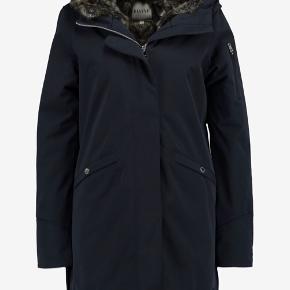 Lækker varm elvine vinterjakke med pels foer str xl Kobber farvet lynlås samt knapper Ny pris 3500kr  OBS lynlåsen skal lige syes men kan sagtens bruges som den er.  Den er ikke vasket - trænger til vask / rens