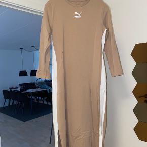 PUMA kjole