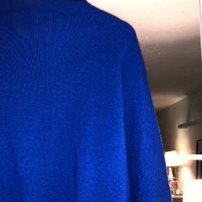 Meget populær sweater fra H&M. Brugt få gange, og sælges af samme grund 🧡