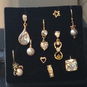 Diverse øreringe i guld farvet sælges samlet for 100kr der er naturligvis to af hver.  Bytter desværre ik.