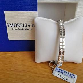 Brand: Morellato Varetype: Armbånd Størrelse: Ca. 20 cm Farve: Sølv Kvittering haves. Prisen angivet er inklusiv forsendelse.