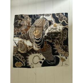 Smukkeste vintage Dior silke tørklæde i brune og beige nuancer. Fejler absolut intet!  85x86 cm
