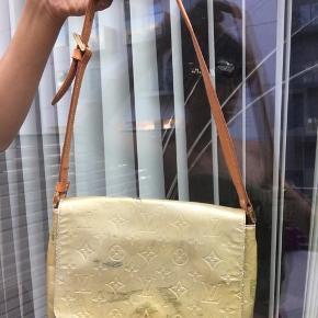 Louis Vuitton taske, ret mange anmærkninger så sælges meget billigt