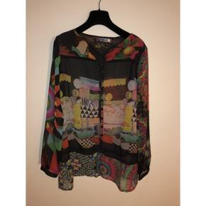 Sælger denne smarte skjorte fra Desigual 🌸 i en størrelse medium 💫 Fragt: 40,- 📦