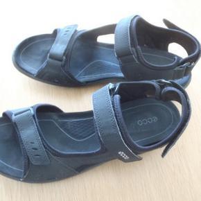Ecco sandal, str. 40. Brugt x 1. Skind. Indvendig fodlængde 27 cm. Nypris 650 kr.